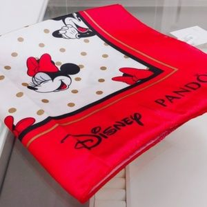 PANDORA Minnie mouse scarf limited edition